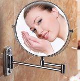 Установленное стеной зеркало состава створки круглое используемое в комнате ливня