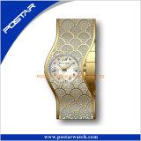 Neue Qualität der Entwurfs-Frauen-Armband-Uhr-a+