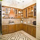 Muebles modulares antiguos de la cocina de madera de roble