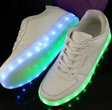 Zapatos corrientes de la carga del USB de los zapatos LED de la iluminación LED de Víspera de Todos los Santos