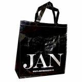 Reciclar la publicidad del bolso del supermercado para las compras