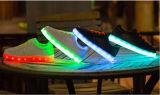 Peuvent être les chaussures colorées de gosses de l'instantané DEL de logo fait sur commande, badinent des chaussures Manufaturer