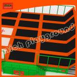 Grosses Indoor Multi Trampoline Bungee mit Safety Net