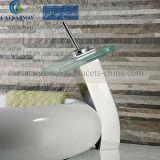 Faucet lanç novo da bacia com o Watermark aprovado para o banheiro