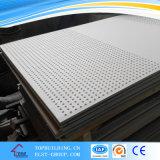 Fehlerfreie Absorption durchlöcherte, Papier gegenübergestellte /PVC-Gips-Decken-Fliese/durchlöcherte Gips