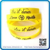 Le bracelet respectueux de l'environnement coloré de silicones de sport charme des bracelets de Debossed