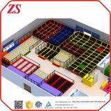 Gimnasia de interior modificada para requisitos particulares colorida gigante del trampolín con el hueco de la espuma