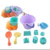 Verão plástico dos miúdos cada jogo do brinquedo tem o divertimento