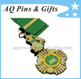 Gold Medal mit Green Enamel Color