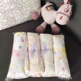 カスタマイズされたデザイン有機性柔らかい綿のガーゼの赤ん坊は毛布を包む