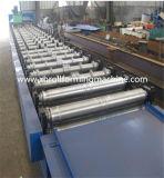 Rolo da telhadura do metal que dá forma à máquina