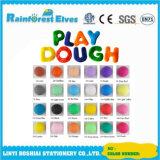 다채로운 반죽 찰흙 실행 세트를 만들기