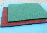 Stuoia di gomma del grano, stuoia del pavimento, mattonelle di gomma con il grano di gomma riciclato grano di legno del livello superiore