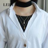 2 collane a più strati del Choker dei pendenti rotondi del foglio placcate oro del velluto di colori