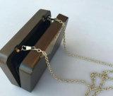 Sacchetto di spalla di legno di moda con il marchio del metallo