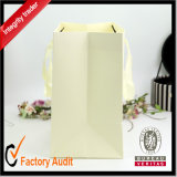 Fabriken Wholesale kundenspezifische Form-schöne glattes Papier-Einkaufen-Beutel, preiswerten Weißbuch-Beutel