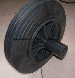 Una rotella di gomma solida da 15 pollici