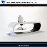 Mesa de escritório de pedra artificial pequena do efeito de madeira branco moderno global de Corain com cadeiras