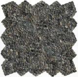 Mattonelle nere del ciottolo della pietra del giardino