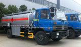 O caminhão de petroleiro do combustível de Dongfeng 14000L 15000L 10 toneladas a 15 toneladas reabastece o caminhão