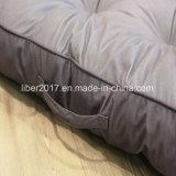 Кровать любимчика кровати циновки собаки тюфяка собаки способа Skidproof серая для собак