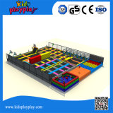 Multi trampolino dell'interno del grado commerciale dei giochi di sport di funzione da vendere