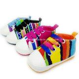 Zapatos suaves del niño y del niño de la lona para las muchachas de los bebés