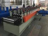 Im Freienplattform-Bodenbelag-Rolle, die Maschine bildet