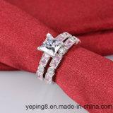 Anello di diamante del Clear Center della principessa Cut impostato - 61