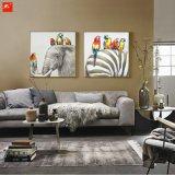 Pappagalli e la loro pittura di arte della parete della zebra dell'elefante degli amici