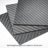 Hoja con el papel lleno de la fibra del carbón