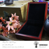 Doos van de Juwelen van het Embleem van Hongdao de Gouden Houten met de Voering van het Fluweel