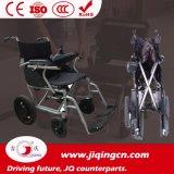 セリウムが付いている電動車椅子を折っているライト級選手