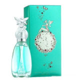 Woman Perfumes com Nice Looking Beautiful Bottle e Charming Smell