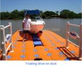 Flotador flotante el pontón del muelle del barco