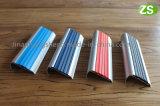 Алюминиевая обшивка лестничные Nosing Плитка Противобуксовочная лента для лестницы
