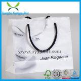 Sac à provisions blanc fait sur commande de papier d'emballage avec le guichet clair