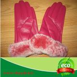 Перчатки зимы естественной неподдельной овчины теплые