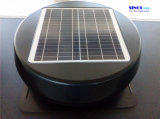 屋根の台紙15Wの太陽動力を与えられたアチックの出口(SN2013010)