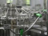 Машина воды напитка заполняя разливая по бутылкам для пластичных бутылок