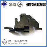 機械で造られるCNCは部品を押す精密シートのステンレス鋼の金属を分ける