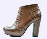 Вскользь ботинки платформы женщин высоких пяток кожаный ботинок повелительницы Brogue