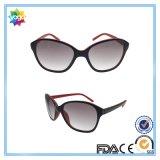 2016 lunettes de soleil polarisées par marque de mode des femmes neuves de sports