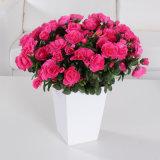 Fiore artificiale dell'azalea con colore rosso