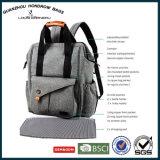 Le sac multifonctionnel de couche-culotte de bébé avec la poussette attache Sh-17070504