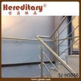 Tubulação interna residencial que cerc o corrimão do aço inoxidável para a escada