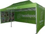 La pubblicità di stampa di Digitahi schiocca in su la tenda di pubblicità esterna della tenda