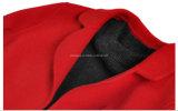 Capa de polvo de lana de la mujer roja