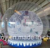 クリスマスのために膨脹可能な新年の雪の地球広告する