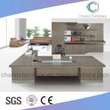 Muebles caseros de la oficina conceptora del escritorio del personal del uso